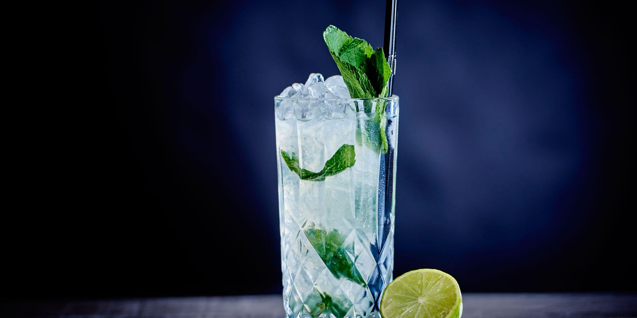 Cocktail-Making-at-Clayton-Birmingham